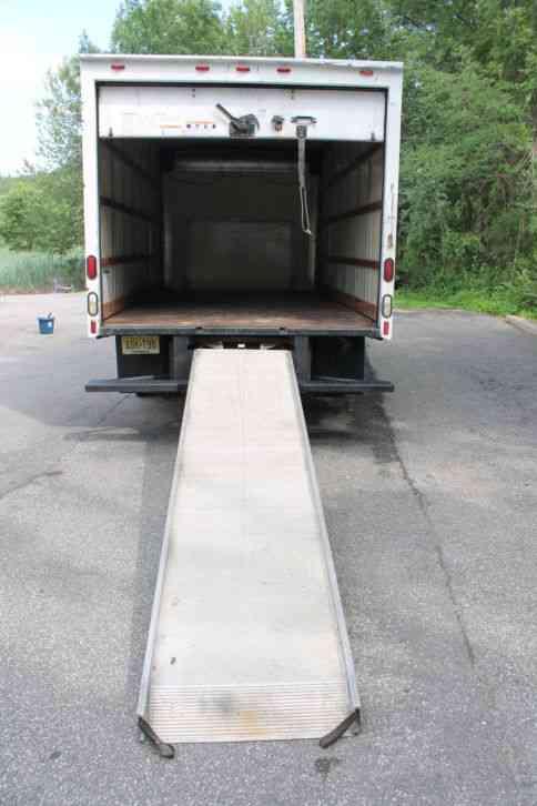 Best Used Trucks >> Ford E350 Box Truck Cube Van (2002) : Van / Box Trucks