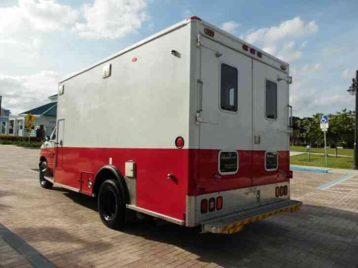 Ford E450 7  3L Diesel Ambulance (1999)