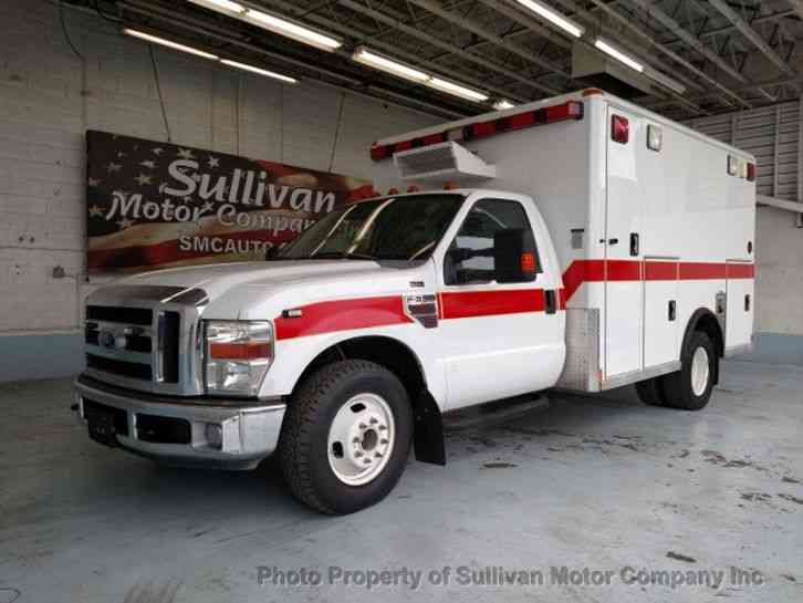 Ford Super Duty F-350 DRW Ambulance (2008)