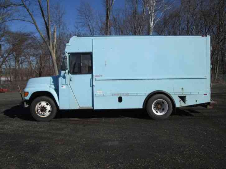 Ford F 800 1998 Van Box Trucks