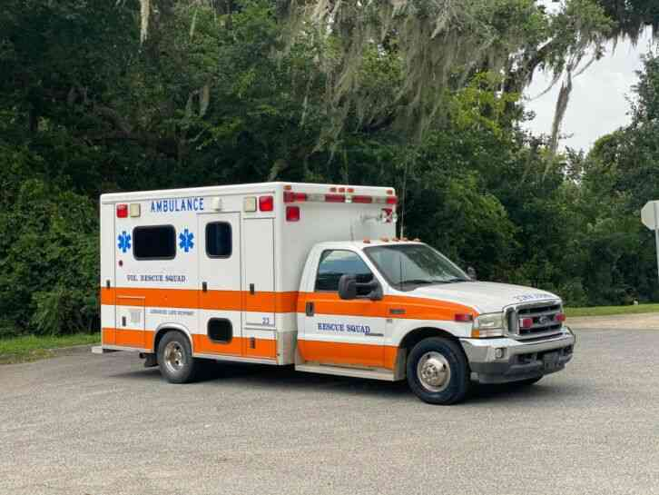 Ford F-350 Ambulance (2002)