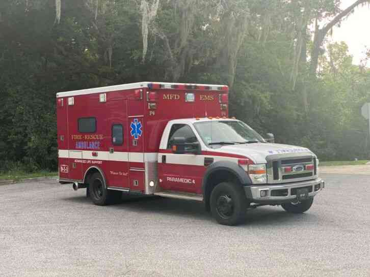 Ford F450 4x4 Super Duty Ambulance (2008)