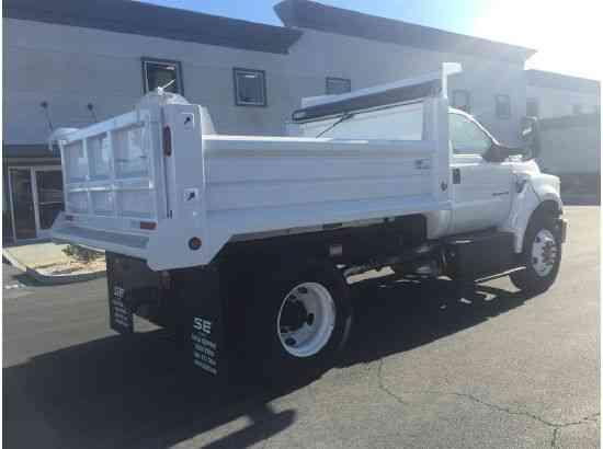 FORD F750 DUMP TRUCK Under CDL Diesel Auto 6-8 yard dump ...