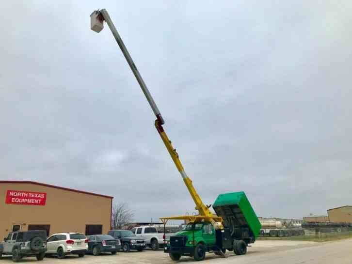 Ford F750 FORESTRY BUCKET TRUCK (2005)