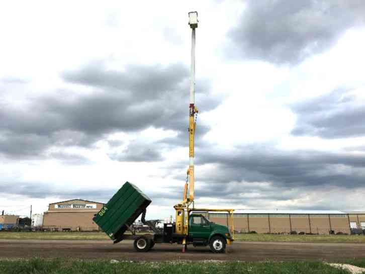 Ford F750 FORESTRY BUCKET TRUCK (2004)