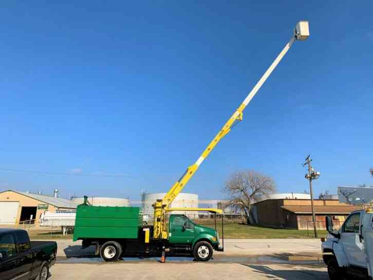Ford F750 FORESTRY BUCKET TRUCK (2007)