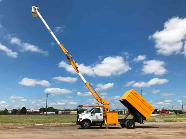 Ford F 750 FORESTRY BUCKET TRUCK (2004)
