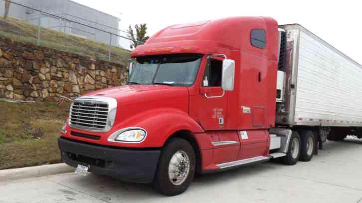 Freightliner Columbia 2005 Sleeper Semi Trucks