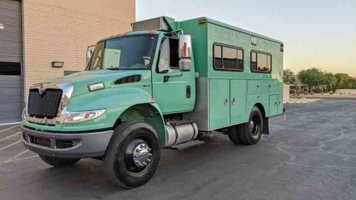 International 4300 Crew Cab Hauler overland RV (2012)