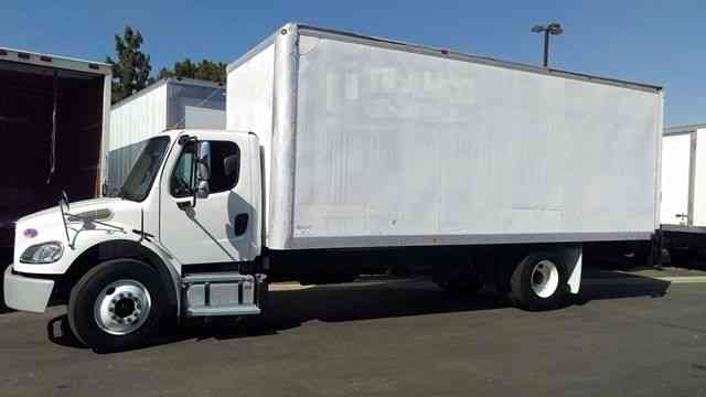 Freightliner M2 24ft Box Truck Air RIDE Liftgate Auto ONLY 33k miles 33, 000LBS GVWR (2014)
