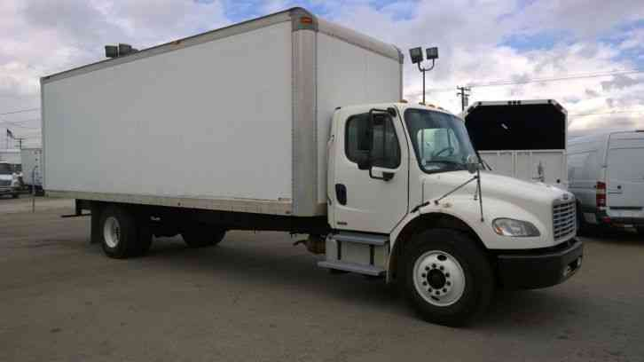 Freightliner M2 26ft box truck high cube Cummins diesel 220hp-, 6sp