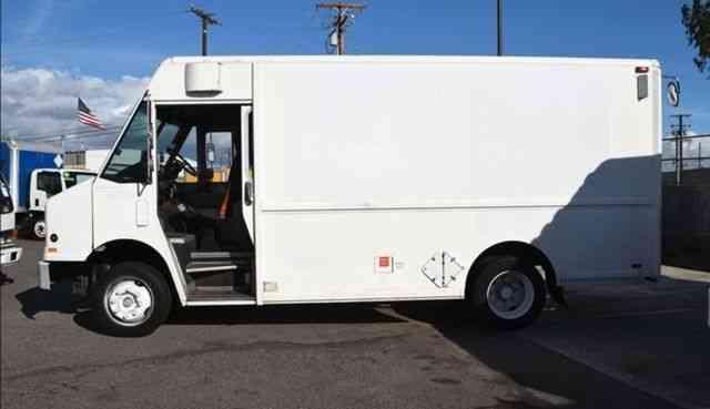 Freightliner MT45 Diesel 14Ft Stepvan Only 68k miles auto (1998)