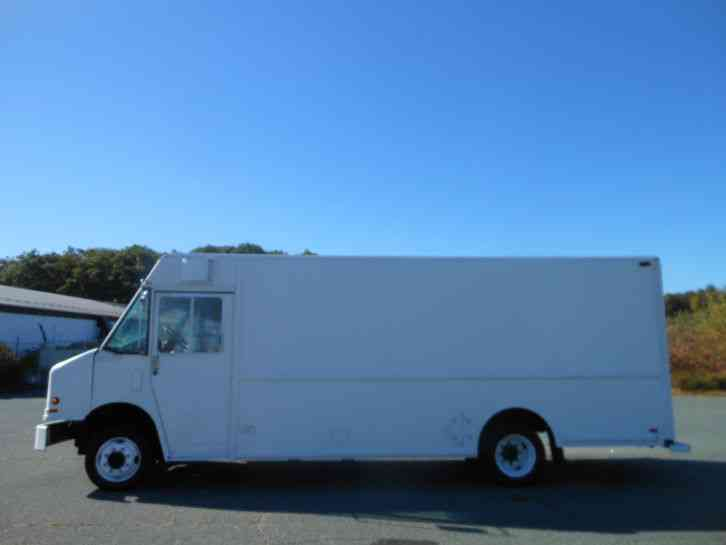 Freightliner Mt55 1999 Van Box Trucks