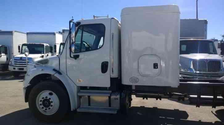 Freightliner M2 sleeper truck- 5th wheel gooseneck hitch