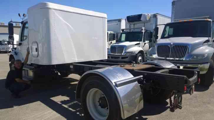 Freightliner M2 sleeper truck- 5th wheel gooseneck hitch ...