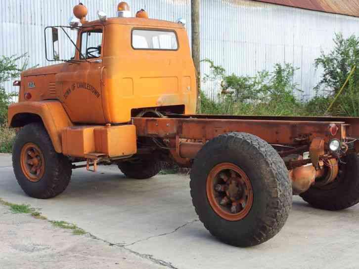 FWD Tractioneer (1962) : Medium Trucks