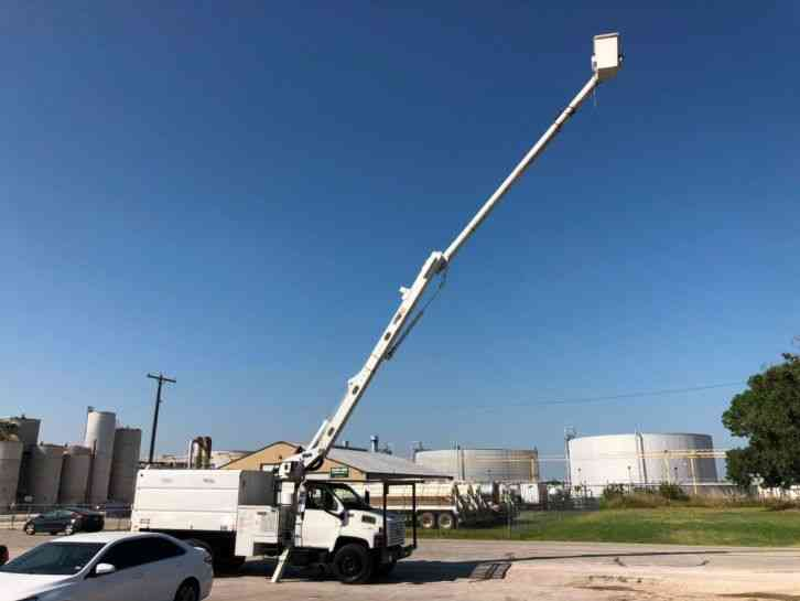 GMC C7500 FORESTRY BUCKET TRUCK (2006)