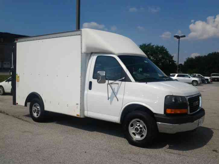 Gmc Savana 2005 Van Box Trucks