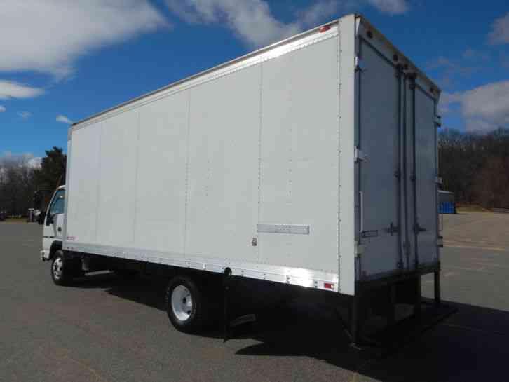 Gmc W Isuzu Npr Hd Diesel Cabover Ft Box Truck Cube Van Curb Side Door on 2007 Gmc W4500