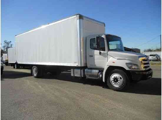 HINO 268 BOX TRUCK 28FT Hi CUBE 26, 000# gvwr AIR RIDE-2yr WRNTY 26000# gvwr (2012)