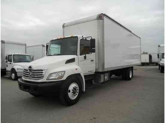 Hino 268 Box Truck 28ft High Cube Air Ride Moving Reloc
