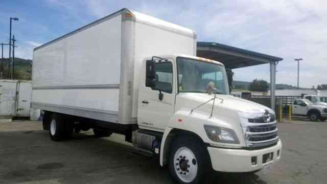 Hino 338 268a 26ft Box Truck 147k miles with Motor Warranty and 26, 000 GVWR (2014)