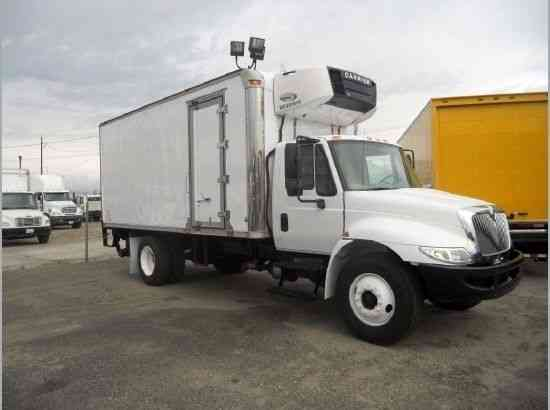 Refrigerated Truck Vehicle : International ft refrigerated box truck liftgate