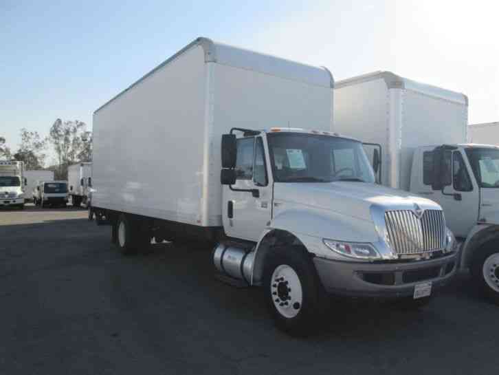 International 4300 26ft box truck high cube air brakes 26 for Furniture delivery