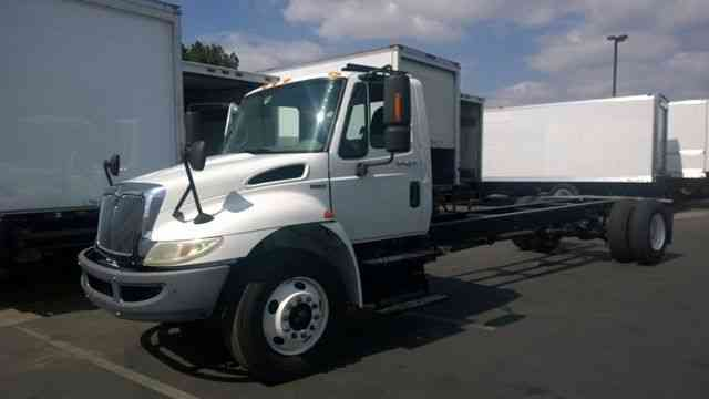 International 4300 for 24-26ft Box bed AIR RIDE 33, 000# GVWR Allison Auto PTO (2010)