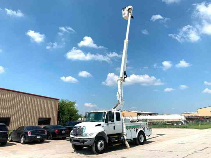 International 4300 DURASTAR BUCKET TRUCK (2012)