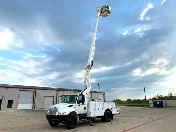 International 4300 BUCKET TRUCK (2011)