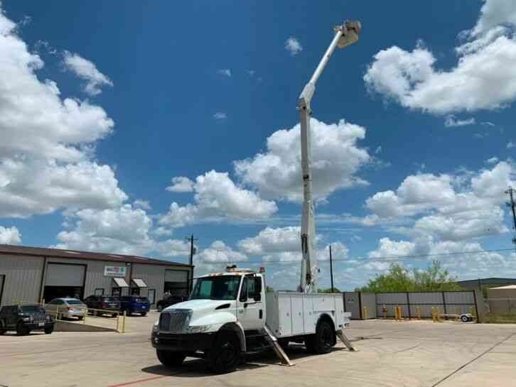 International 4300 BUCKET TRUCK (2007)