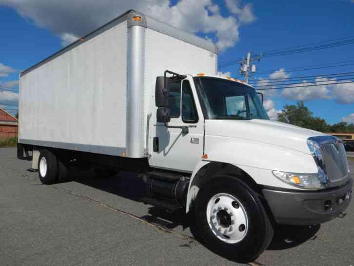 International 4300 2006 Van Box Trucks