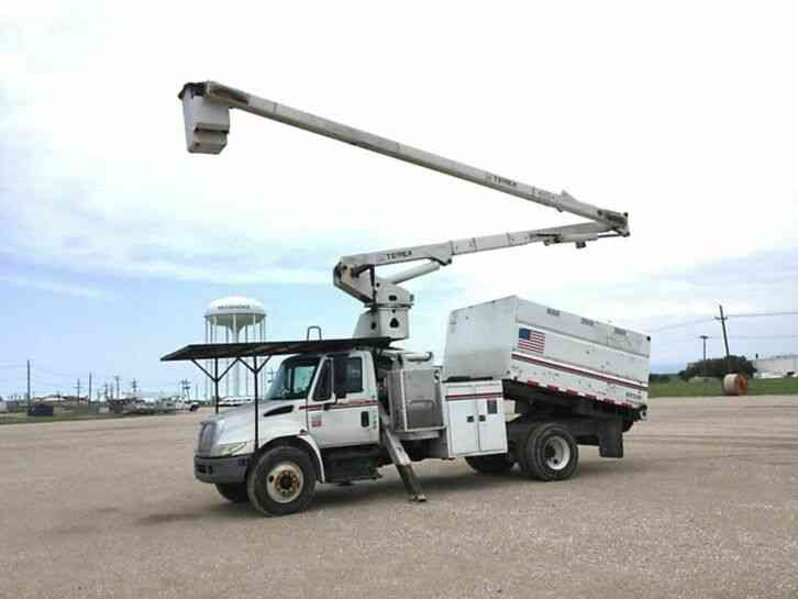 International 4300 FORESTRY BUCKET TRUCK (2007)