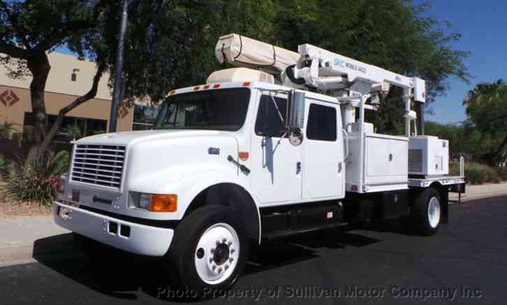 International 470CB Crew Cab (2001)