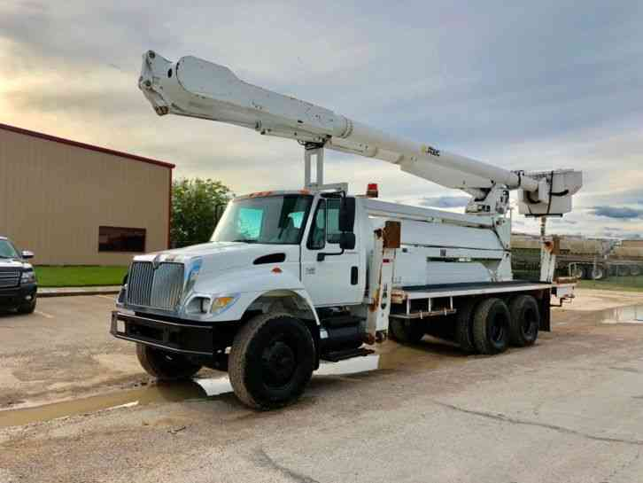 International 7400 6x6 DOUBLE ELEVATOR BUCKET TRUCK (2003)