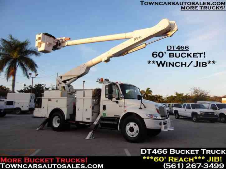 International 4300 60' Bucket Truck (2004)