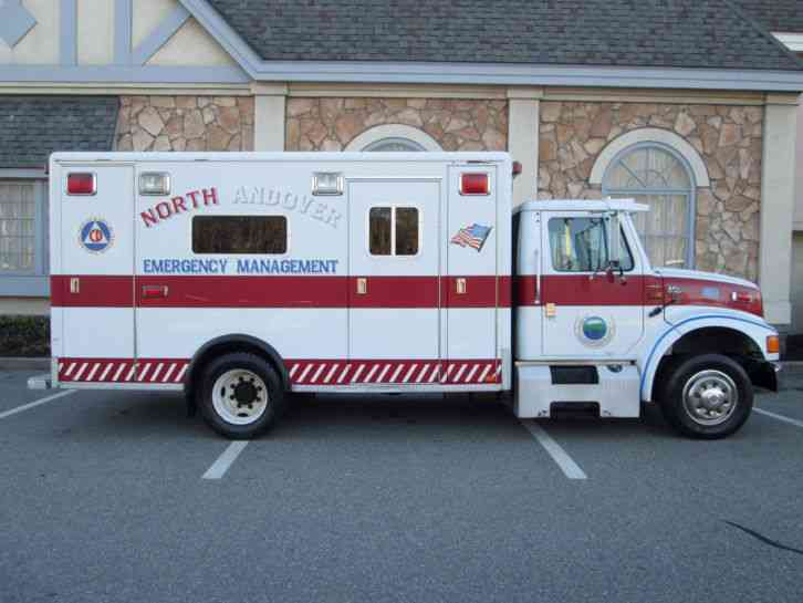 International DT466 Ambulance Low Profile Horton Body Low Miles 1 Town Owner