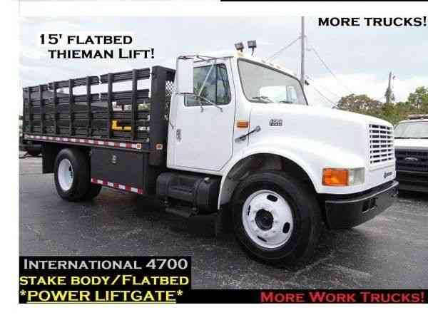 INTERNATIONAL 4700 STAKE TRUCK FLATBED FLAT BED DIESEL (1998)