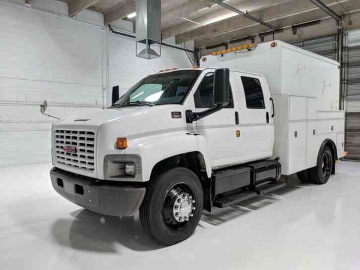 GMC Crew Cab Enclosed Service Truck C7 Cat Aliison Auto 57k miles (2004)