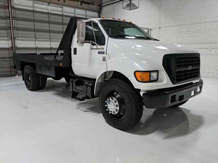 Ford F-650 7. 3 16 Flatbed Winch Truck only 48k miles (2000)