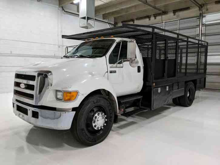 Ford F-650 Cummins Auto 18' enclosed caged Flatbed (2007)