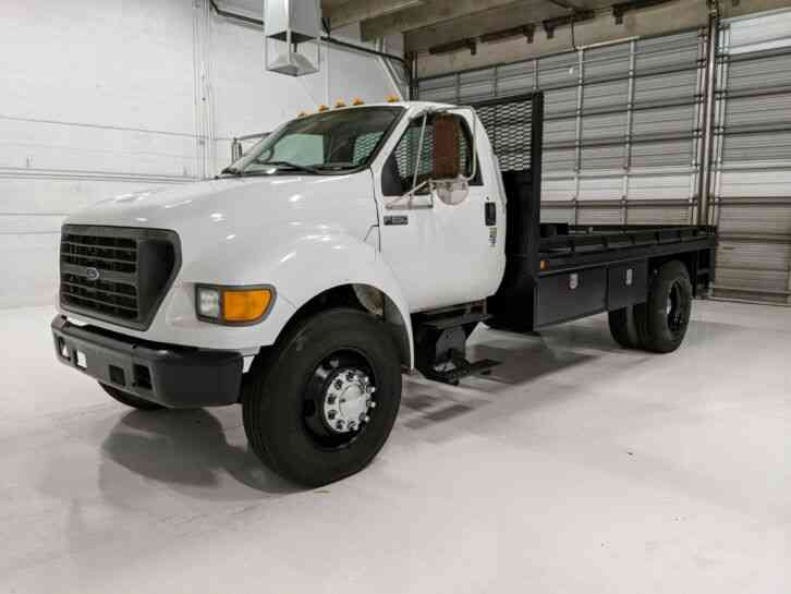 Ford F-650 15' flatbed winch truck 7. 3 liter (2000)