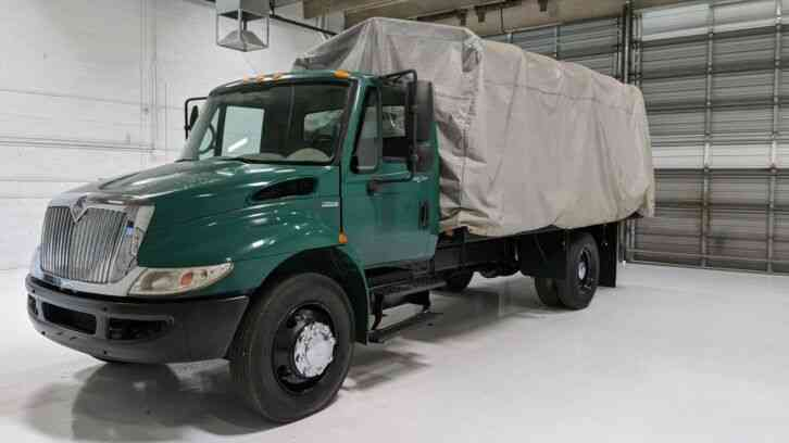 International 4200 4300 16' Flatbed 54k miles Stake bed (2009)