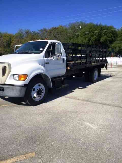 Ford 16' Flatbed Lift Gate Diesel 10k Miles f650 (2005)