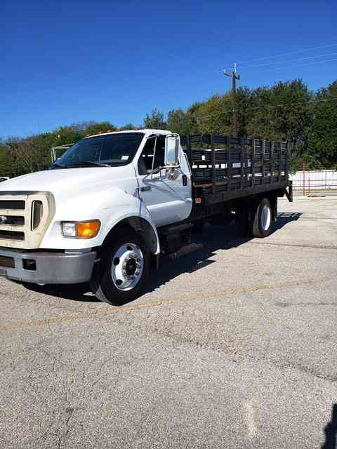 Ford 16' Flatbed Lift Gate Diesel 24k Miles f650 (2005)