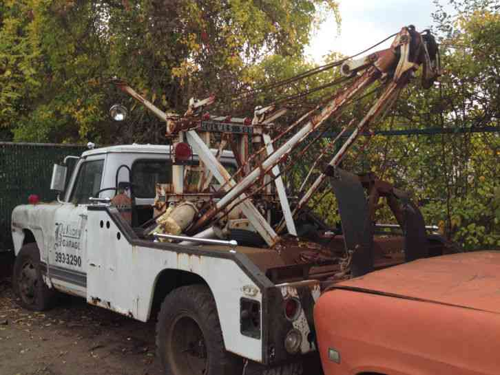 International Holmes Wrecker Tow Trucks : Wreckers