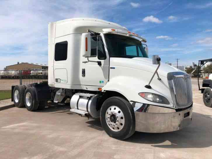 International PROSTAR SLEEPER TRACTOR TRUCK (2013)