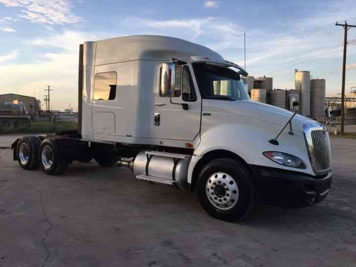 International PROSTAR SLEEPER TRACTOR TRUCK (2012)