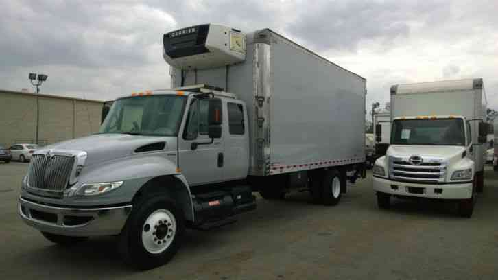 Expeditor Truck For Sale ... Sleeper-22ft box truck- Al. liftgate 310HP-26, 000# UNDER CDL (2010